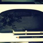 Наборчик GIVENCHY: Тушь Givenchy NOIR COUTURE + карандаш для глаз MAGIC KHOL + косметичка.